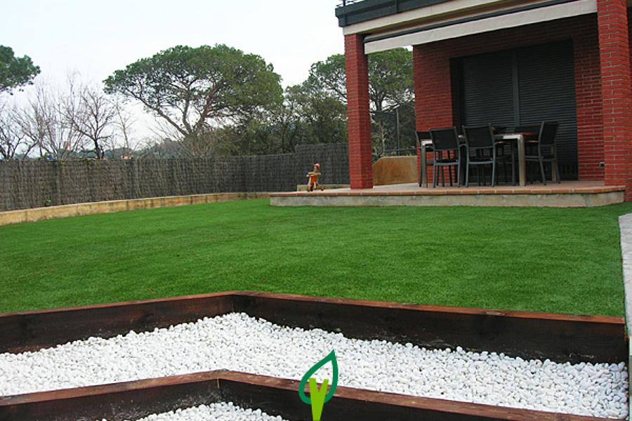 Foto cesped artificial sin mantenimiento de verdalia - Jardines sin mantenimiento ...