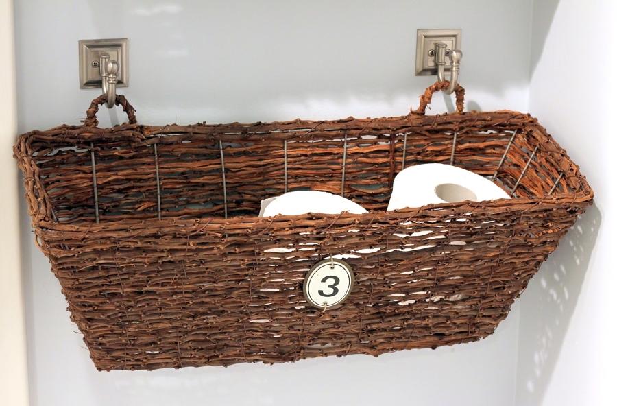 cesta portarrollos baño