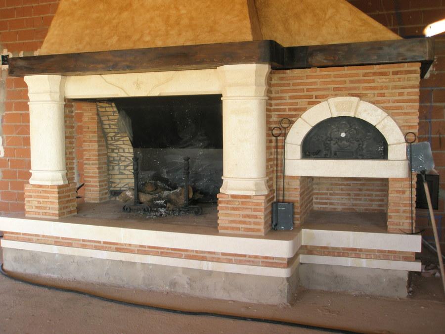 Foto chimenea abierta gigante con horno de chimeneastalaya 765567 habitissimo - Chimeneas lugo ...