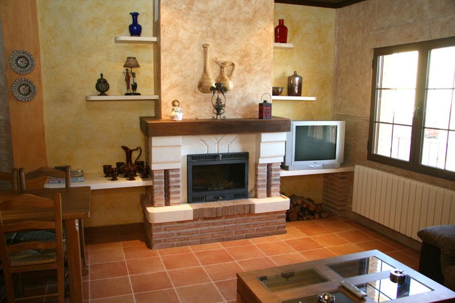 C mo decorar la chimenea de casa ideas mantenimiento - Como colocar una chimenea de lena ...