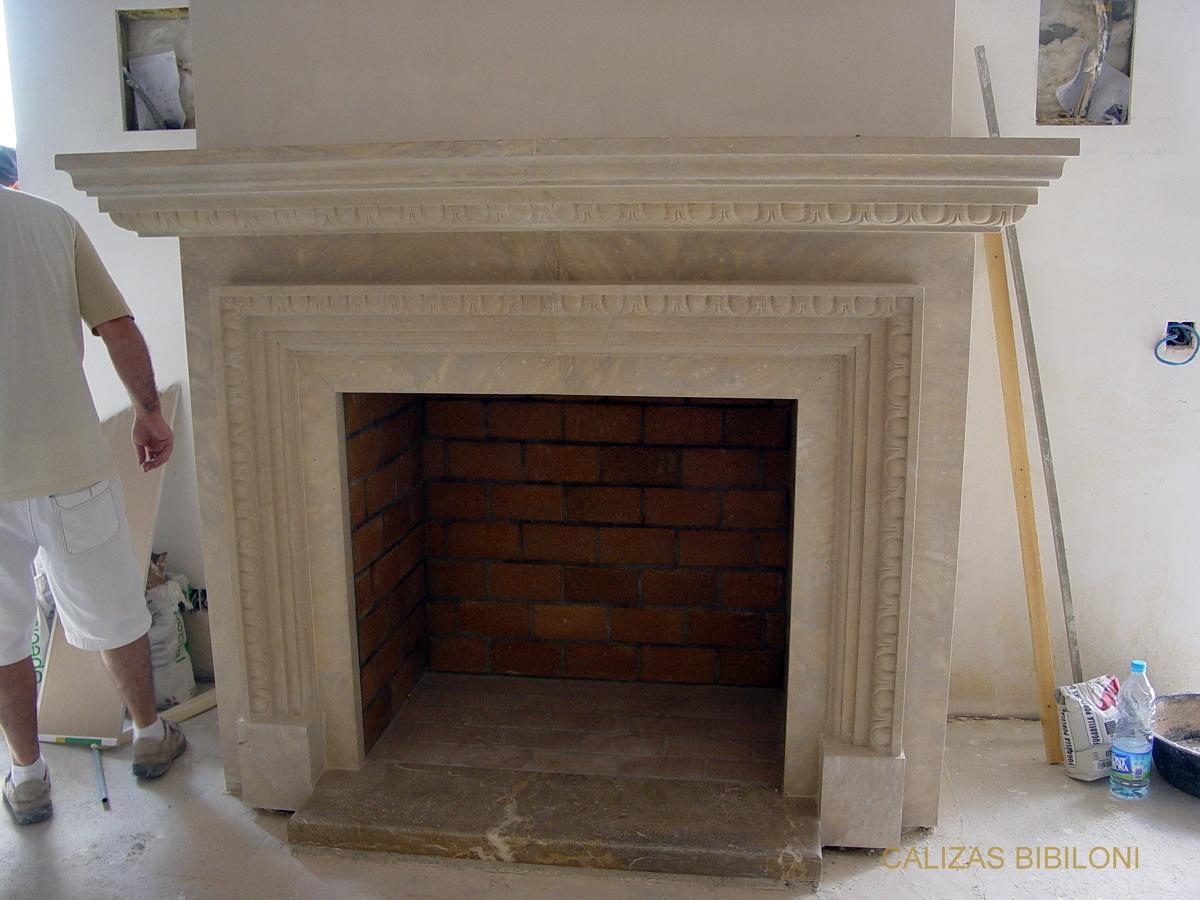 Colocaci n de molduras de piedra caliza varios detalles - Molduras para chimeneas ...