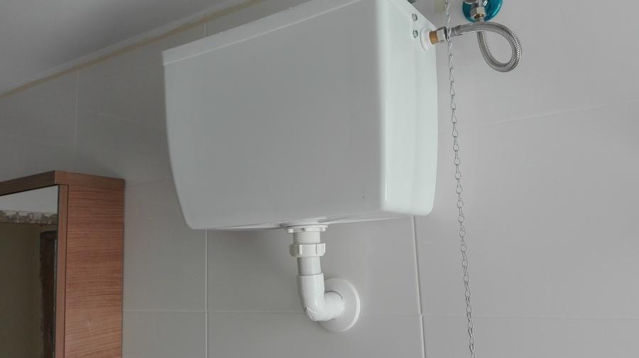 cambio inodoro con cisterna alta por cisterna empotrada y