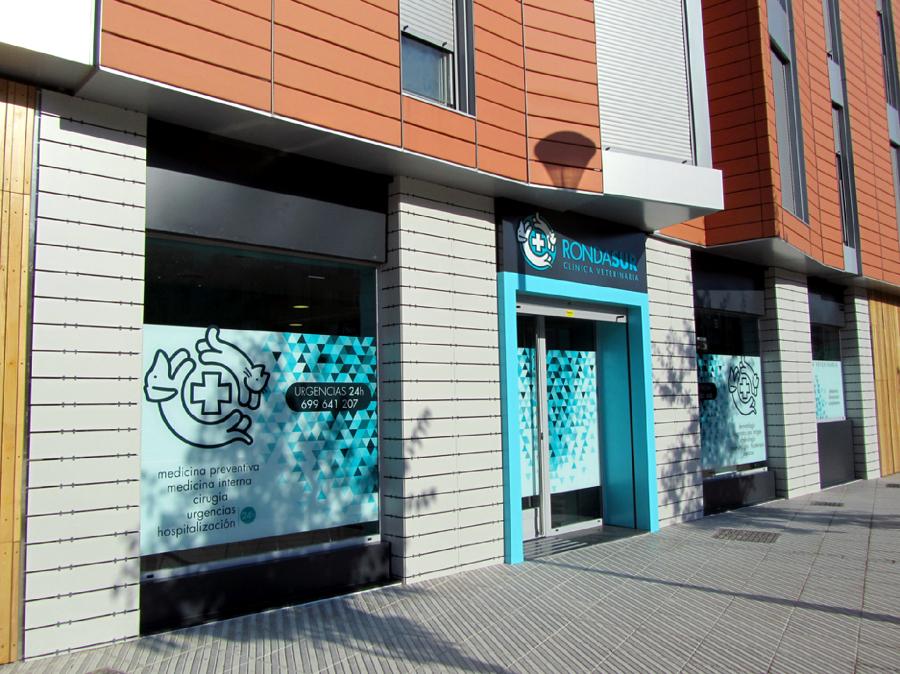 Cl nica veterinaria en oviedo ideas arquitectos - Proyecto clinica veterinaria ...