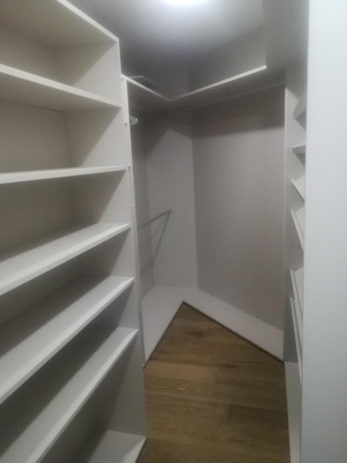 Closet auxiliar de habitación principal