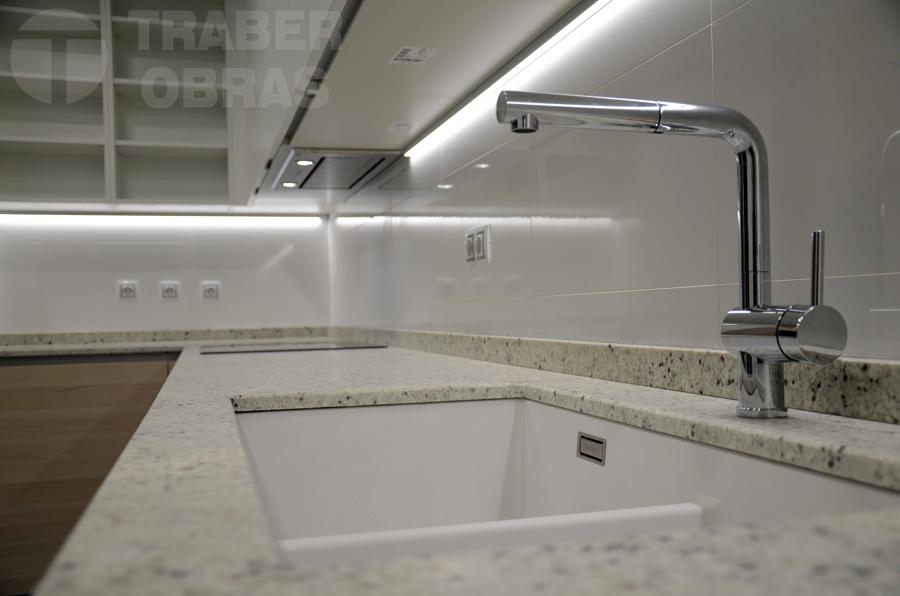 reforma piso c.Orense por Traber Obras_cocina_1.jpg