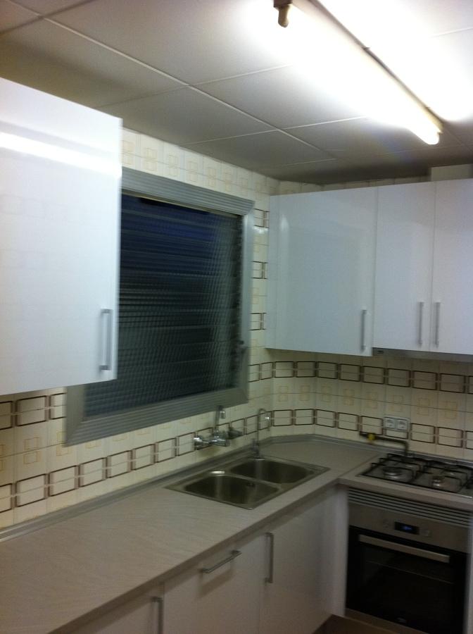 Cambio de mobiliario de cocina en barcelona ideas - Carpintero en barcelona ...