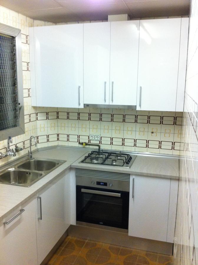 Cambio de mobiliario de cocina en barcelona ideas for Mobiliario de cocina precios