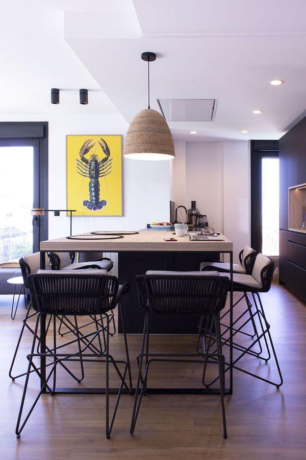 Cocina abierta al salón de estilo contemporáneo