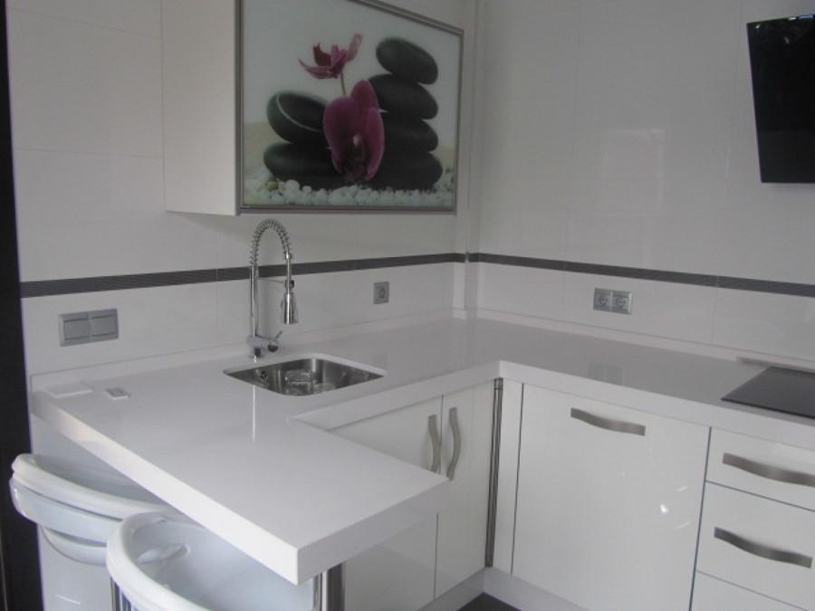 Cocina alto brillo blanco modelo 1 ideas carpinteros - Cocinas blancas brillo ...