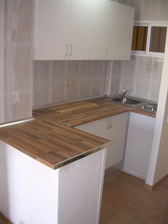 Cocina americana estudio arroyo de la miel proyectos - Decoracion cocina pequena apartamento ...