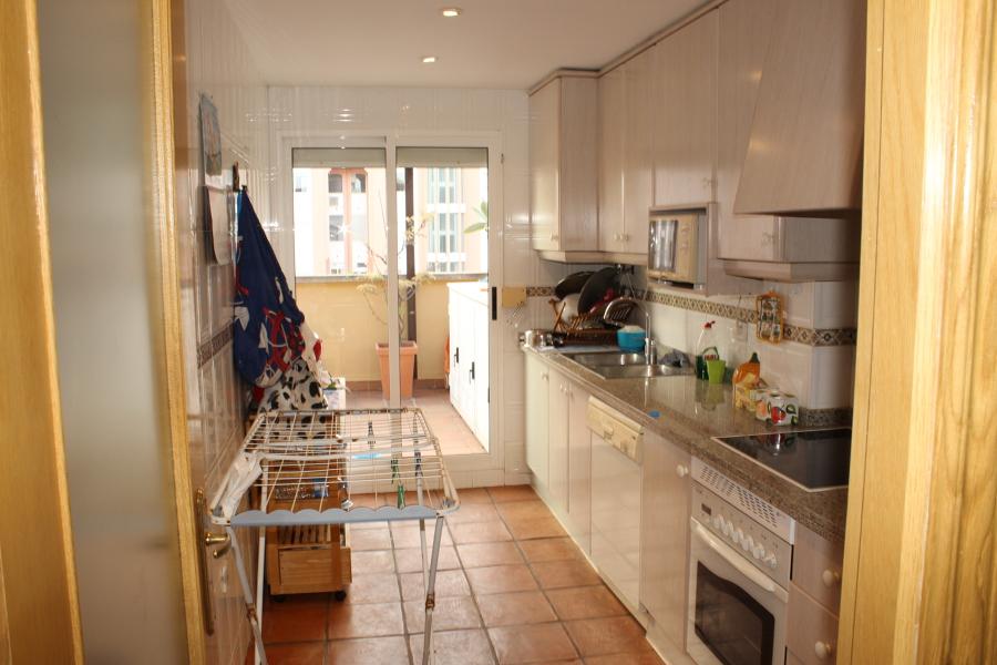 Foto cocina antes de gcb crea tu hogar 550391 habitissimo for Crea tu cocina