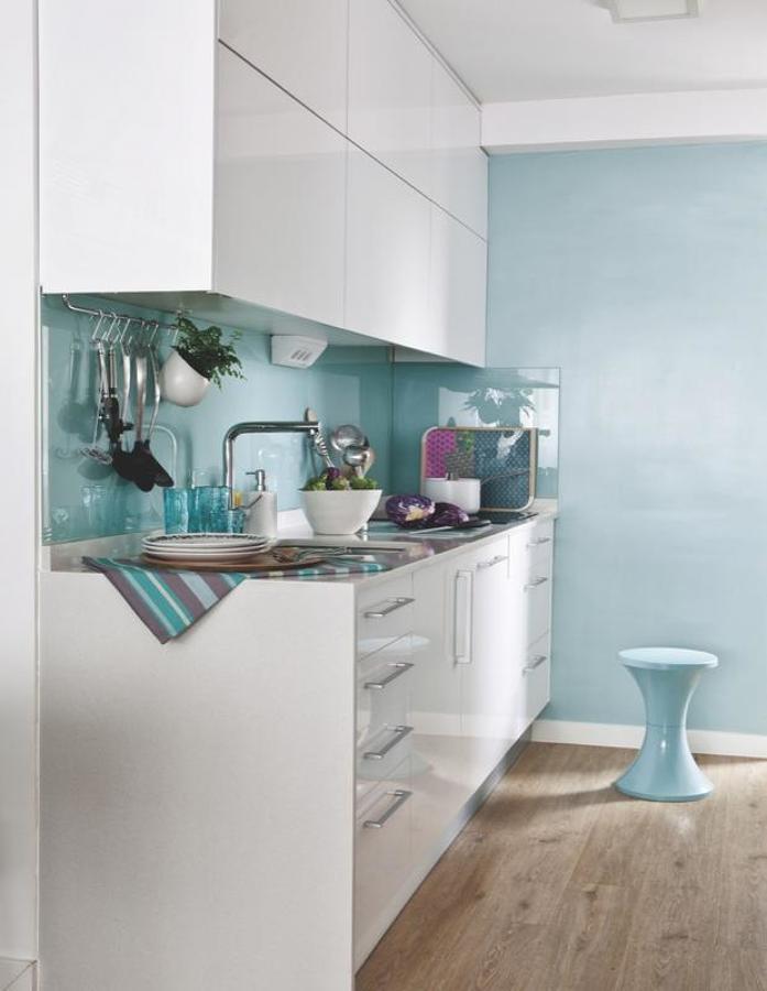 foto cocina azul y blanca de living mallorca deco
