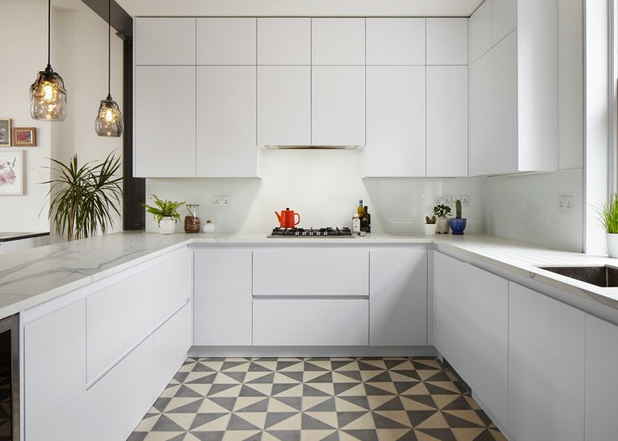 Una casa del siglo xix muy funcional ideas reformas for Color credence cocina blanca