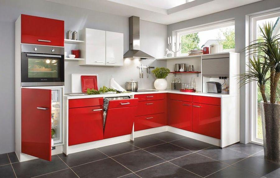 Foto cocina blanca y roja de miriam mart 903079 for Cocina blanca encimera roja