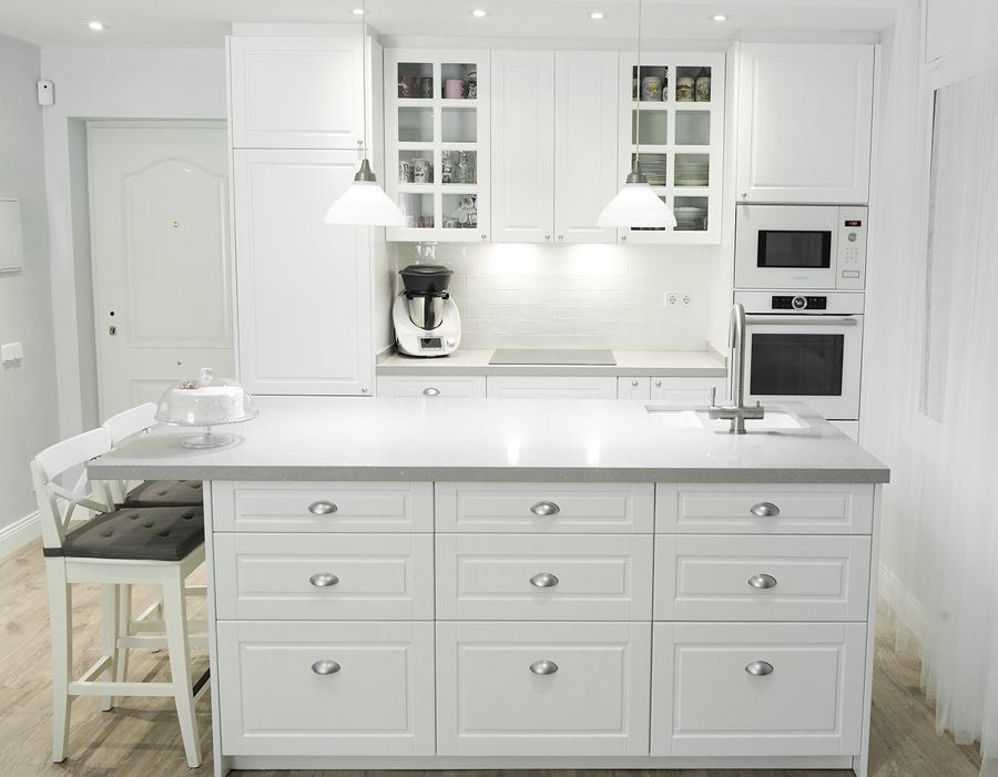 Cocina blanco laca con isla