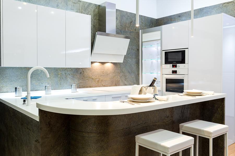 Cocinas modernas con barra americana perfect cocina moderna con isla pixels with cocinas - Cocinas con barra americana ...