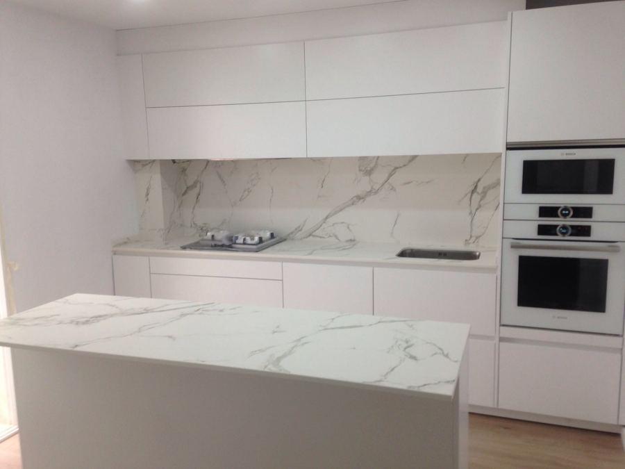 Foto cocina con encimera dekton de reformarket 1364673 habitissimo - Encimeras de marmol para cocinas ...