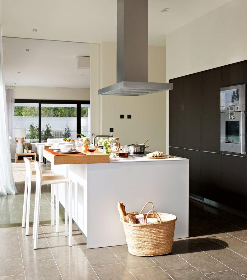 Foto cocina con isla central de marta 947353 habitissimo - Cocina con isla central ...