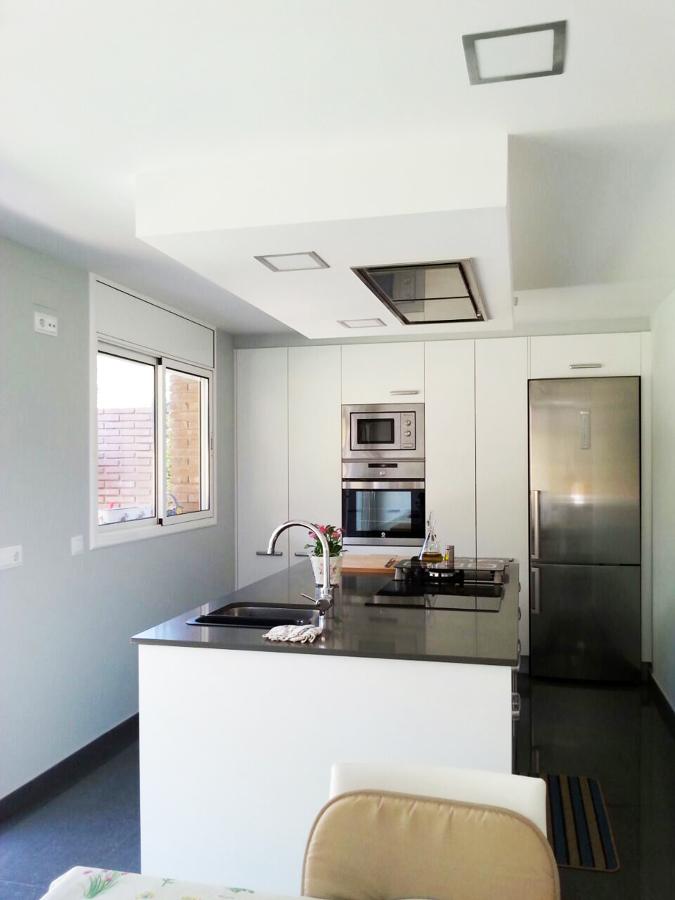 Foto cocina con isla central de moliner reformas 769685 - Cocina con isla central ...