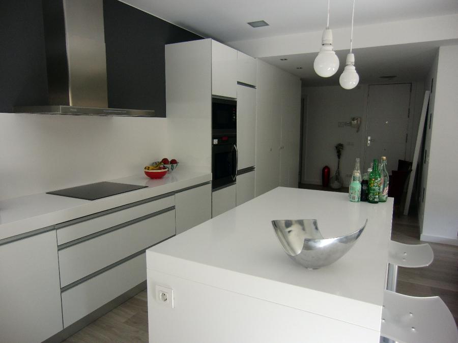 Fachadas casas estilo minimalista yakaz inmobiliario and for Residencias estilo minimalista