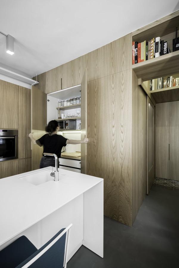 cocina con mobiliario discreto