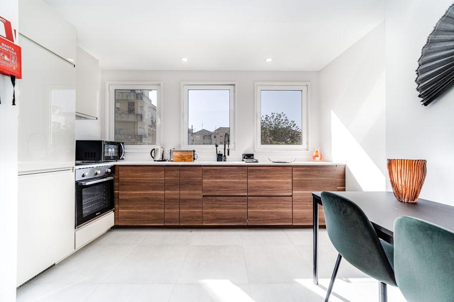 Cocina con muebles bajeros