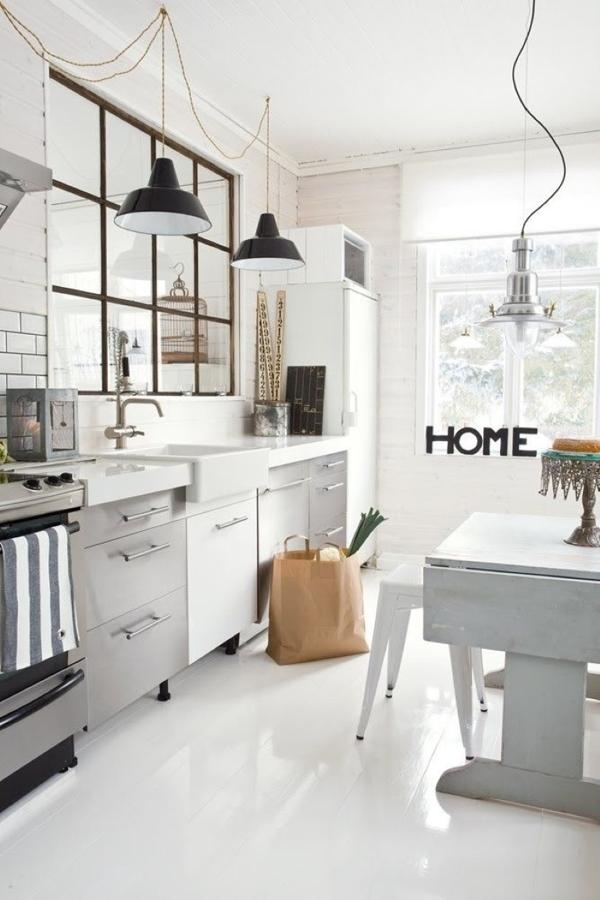 Separa ambientes con paneles y puertas de cristal ideas for Estructura de una cocina industrial
