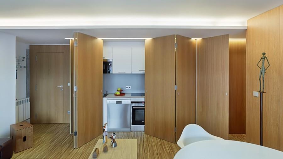 Cocina con puertas correderas