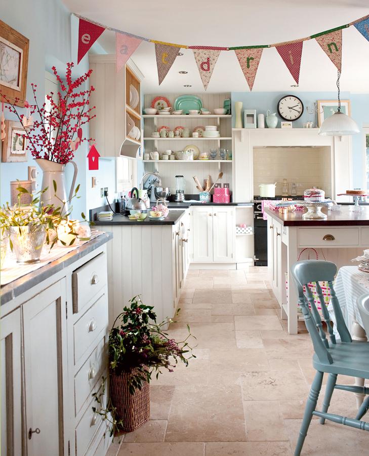 Foto cocina con sillas y accesorios pastel de marta - Decoradores en toledo ...