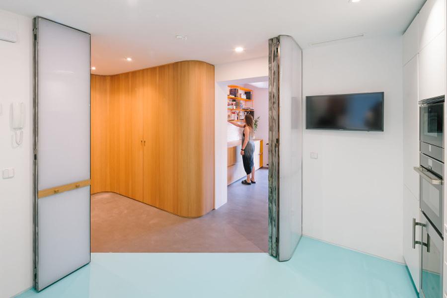 En busca del espacio continuo una casa transformable - Tabique corredero ...