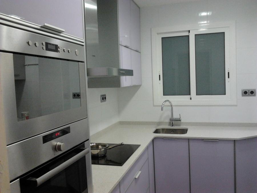 Cocina de color lila