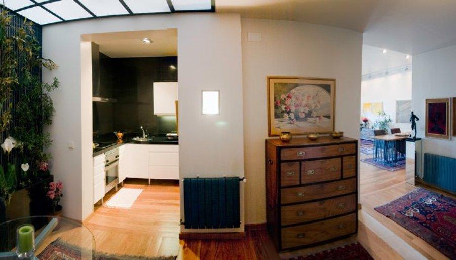 Foto: Cocina de Concepto Abierto con Jardin Interior y Techo ...