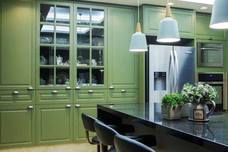 Cocina en verde oliva