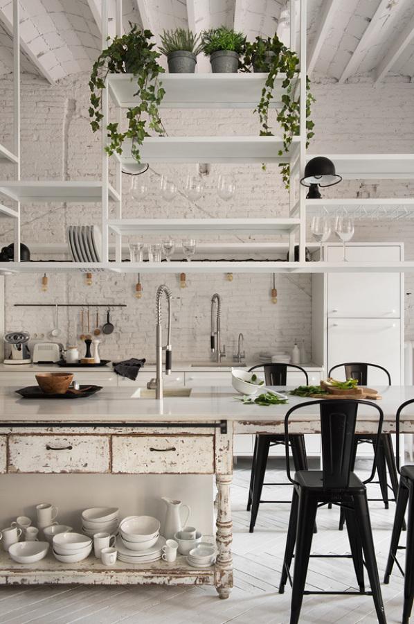 Cocina estantería colgada