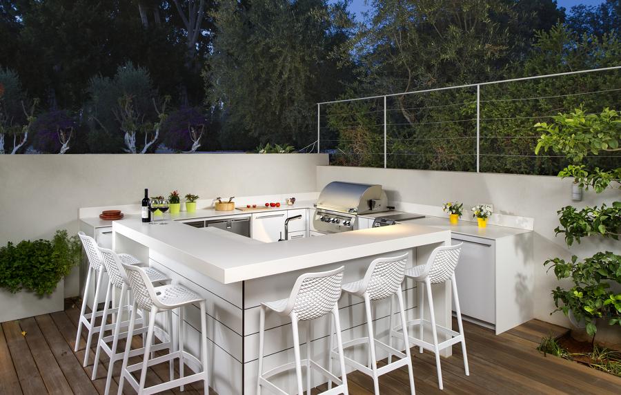 cocina exterior con encimera de Dekton