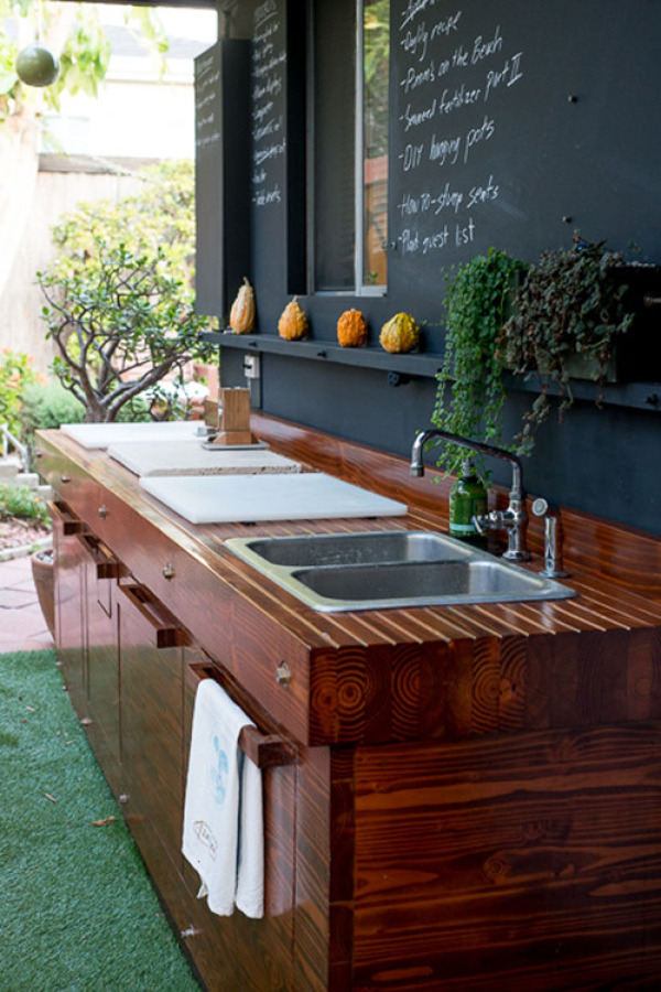 cocina exterior madera pizarra