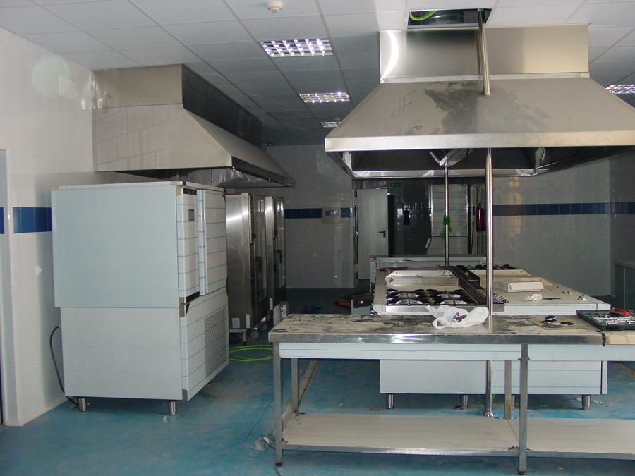 Foto cocina industrial para catering de ingenier a p i for Planos de cocina industrial