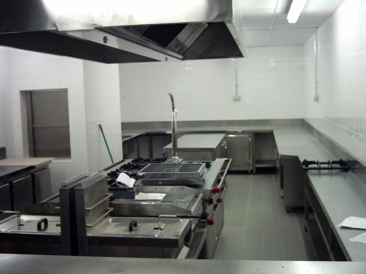 Instalaci n de restaurante y snack bar ideas reformas for Instalacion cocina industrial