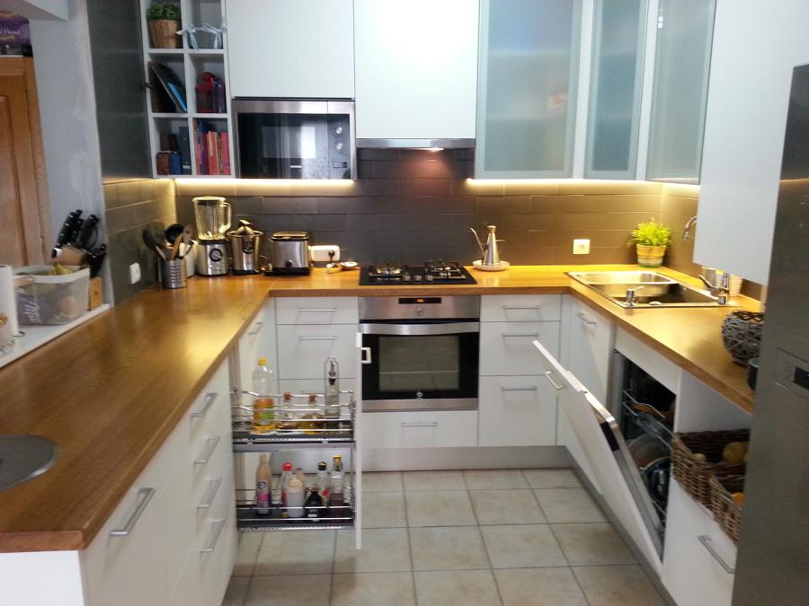 Foto cocina integral encimera madera de hamaika muebles y for Habitissimo cocinas