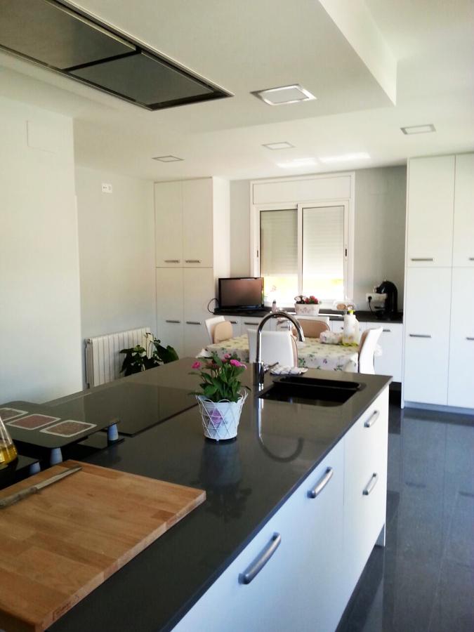 Mis reformas ideas reformas cocinas - Muebles de cocina con isla central ...