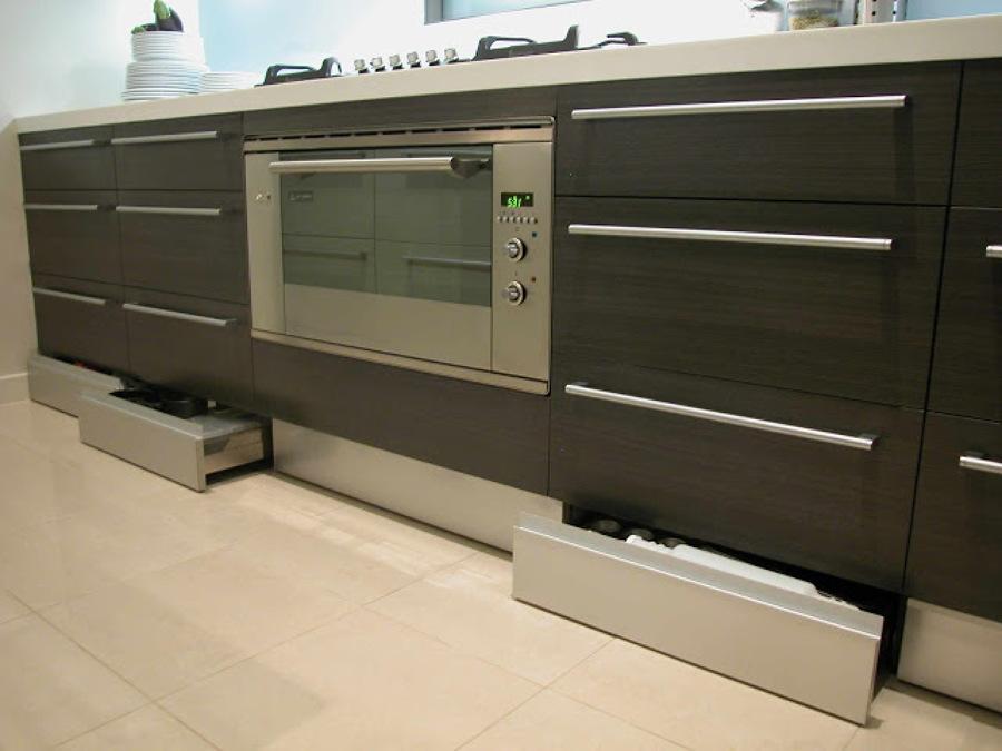 C mo construir un caj n z calo para la cocina ideas - Cambiar suelo cocina sin quitar muebles ...