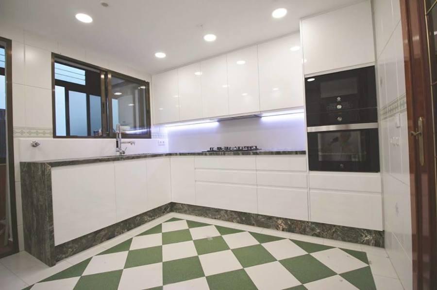 Cocina Mod. Quart lacado blanco brillo