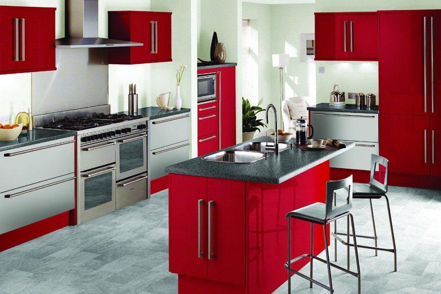 cocina en negro y rojo
