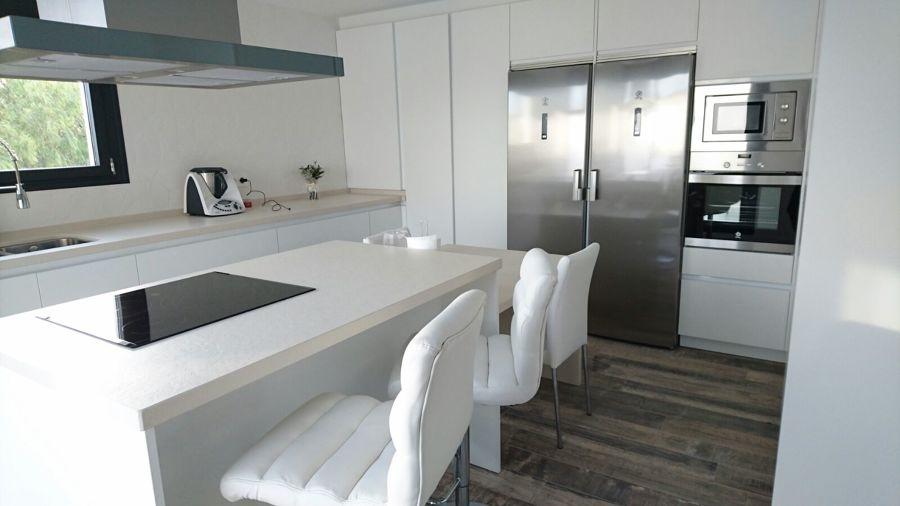 Foto cocina moderna t po isla de actual gesti n for Muebles de cocina tipo isla