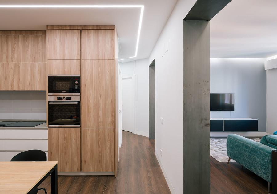 Cocina, pasillo y salón