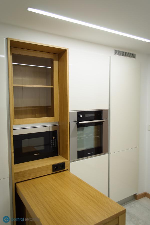 Foto: Cocina Pedini - Mesa Extraíble de Control Reforma #1524096 ...