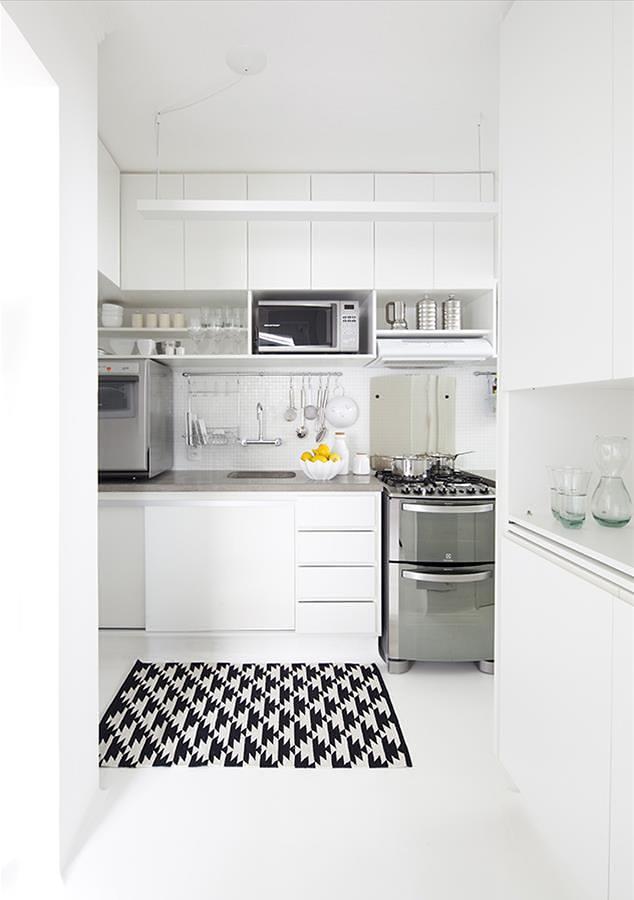 Un estudio de 35 m que apuesta por el all in white for Proyecto cocina pequena