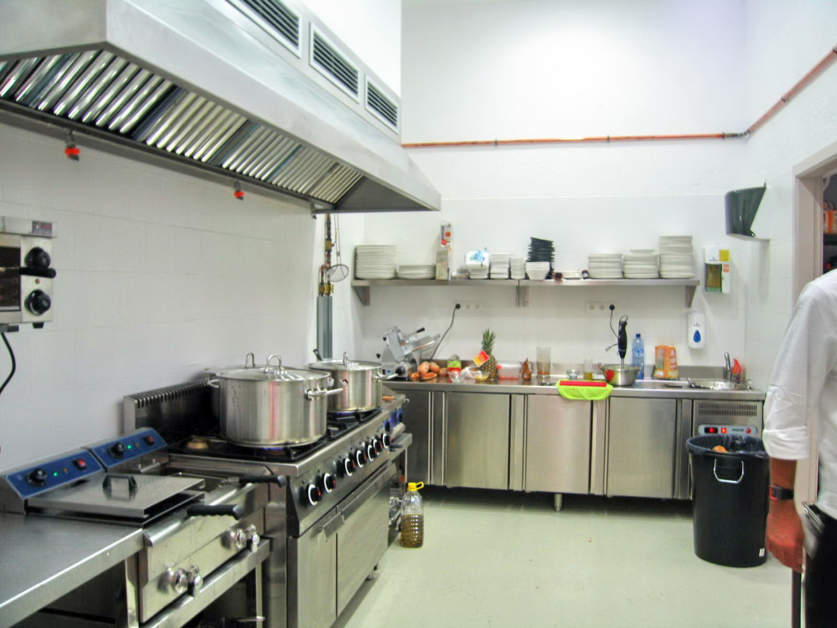 Foto cocina restaurante de javier l pez sales 277028 for Proyecto cocina restaurante