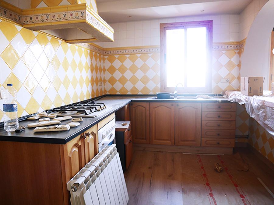 Cocina rústica con azulejos