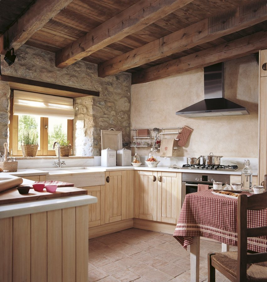 Foto cocina r stica en casa rural de elenatorrente d az for Muebles para casas rurales